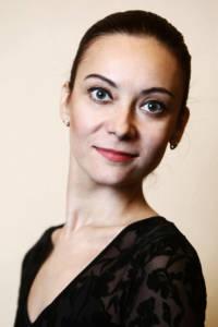 Elena Titova Ballettänzerin im Nussknacker und Schwanensee